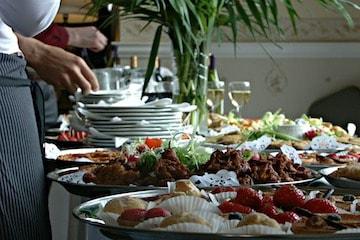 Servicio de catering,  banquetería, brunchs, colaciones