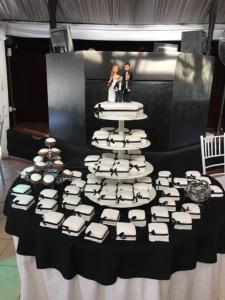 Torta de Matrimonios y mini tortas de recuerdo
